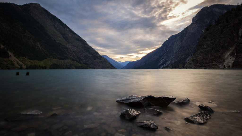 Photo Spot between Canyons: Seton Lake in British Columbia