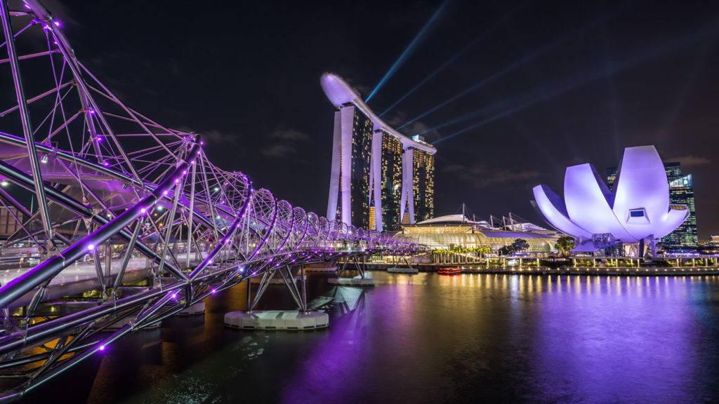 Lightshow at Night: Helix Bridge & Marina Bay Sands Hotel.