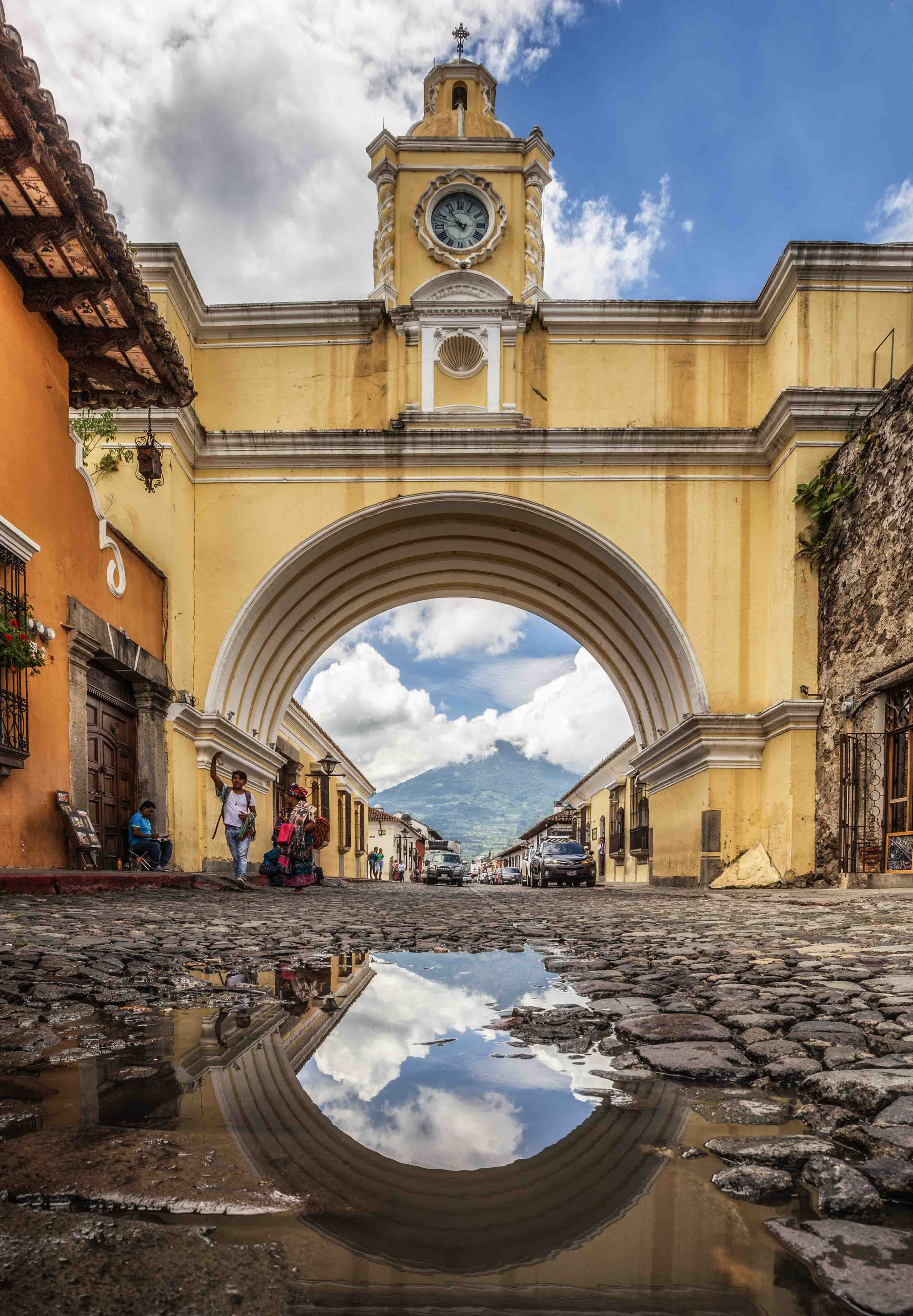 Arco de Santa Catalina in Antigua, Guatemala.