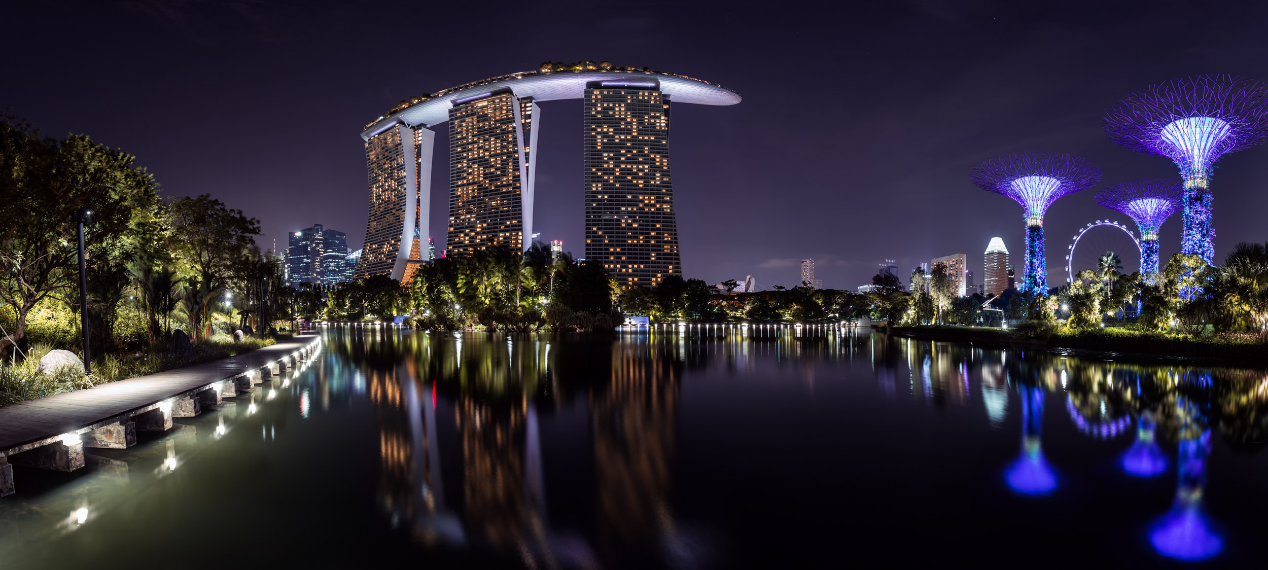 Panorama of the Marina Sands Bay.