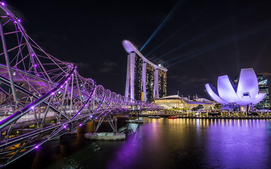 Cityscape of Marina Bay Sands, Singapore from Lukas Petereit, German Travel Photographer