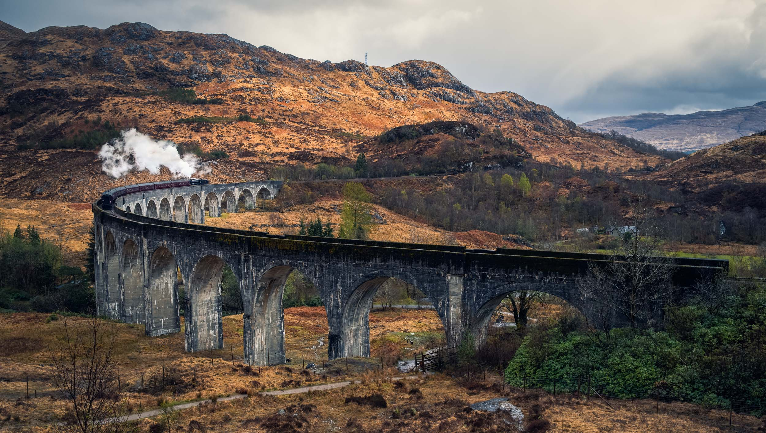 Harry Potter Train at Glenfinnan Viaduct - Highlands, Scotland